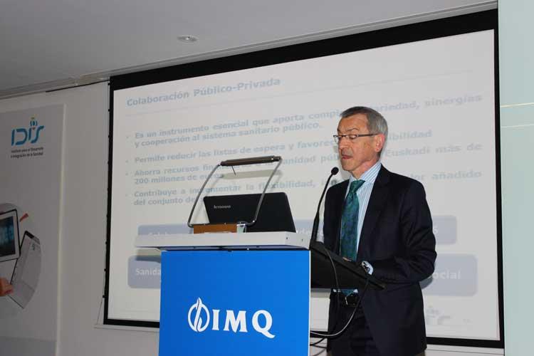 Pedro Ensunza (Presidente Grupo IMQ) compartiendo los resultados del País Vasco con los asistentes