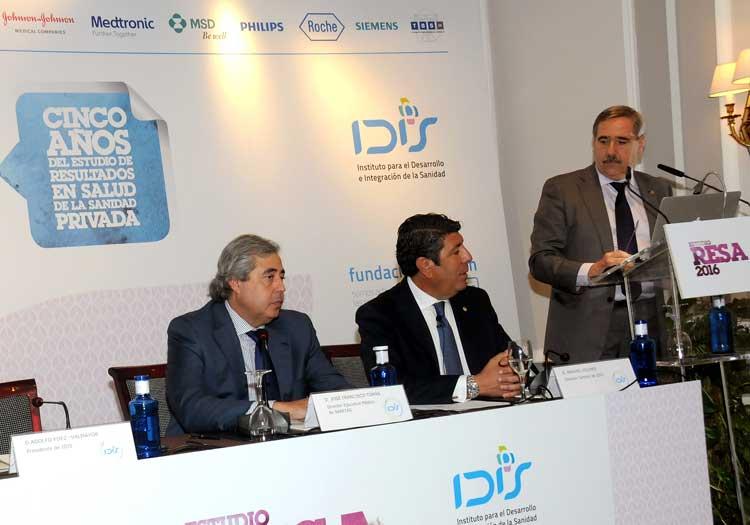 Fernando Mugarza modera el debate