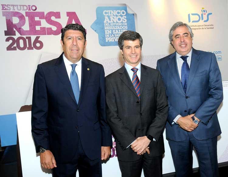 Manuel Vilches(IDIS), Adolfo Fernández-Valmayor(IDIS) y José Francisco Tomás (Sanitas)