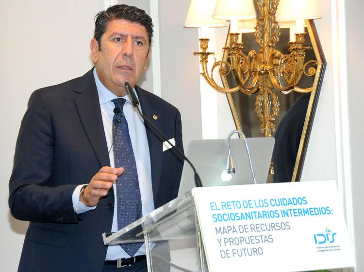 Manuel Vilches (director general de IDIS) durante su intervención