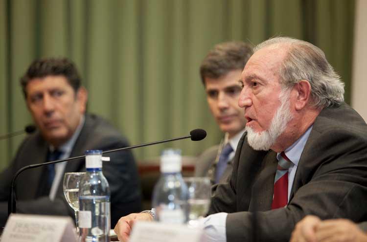Juan Bautista Alcañiz (presidente Colegio Médicos de Sevilla) en el acto inaugural