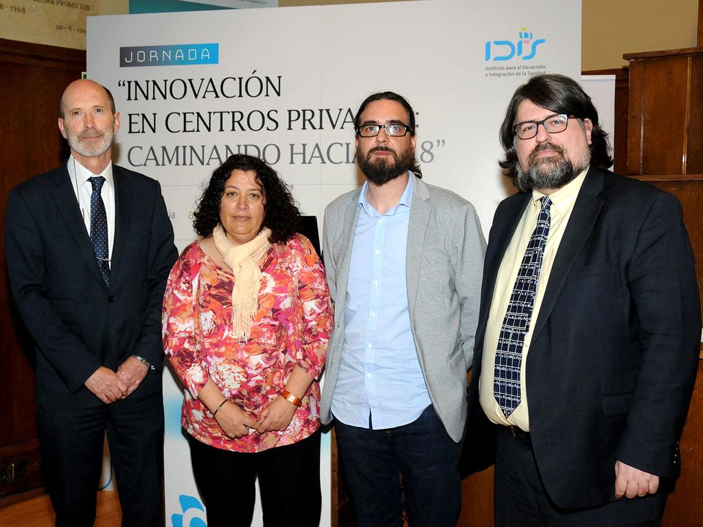 Componentes de la 2ª mesa: Carlos Sisternas (FENIN), Ana Martín (AMADIX), Hugo Leis (Sistemas Genómicos) y Jesús Rueda (EDMA)