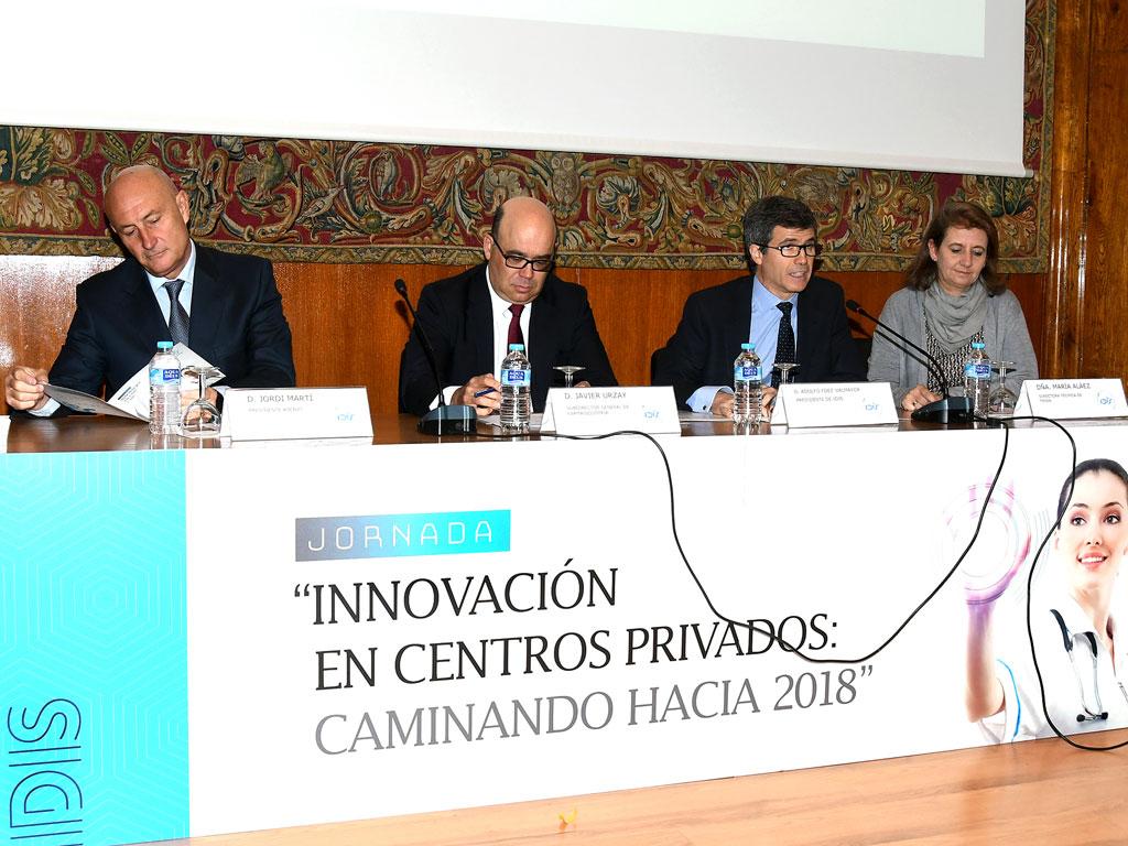 Mesa inaugural compuesta por Jordi Martí (ASEBIO), Javier Urzay (Farmaindustria), Adolfo Fdez-Valmayor (IDIS) y María Aláez (Fenin)