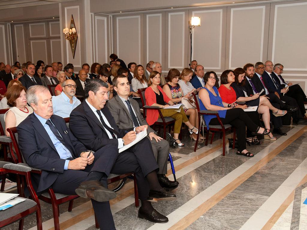 Asistentes a la Jornada del I Premio Periodístico IDIS