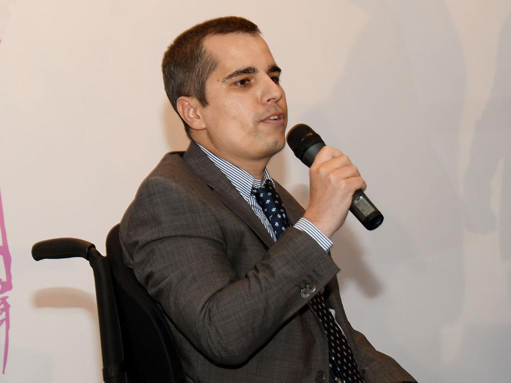 Gonzalo Estefenía dando las gracias por el accésit otorgado