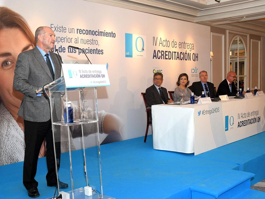 Eduardo Maiz Olazabalaga, de OSI Bilbao Basurto, habló en nombre de los acreditados