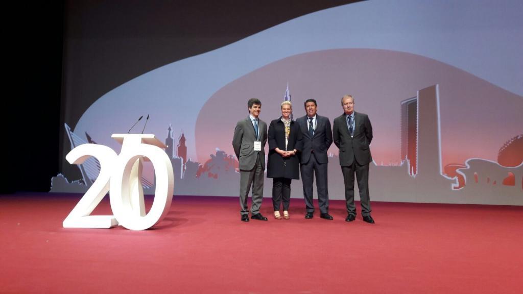 Annabelle Neudam y Adolfo Fernández-Valmayor, Manuel Vilches y Luis Mayero de IDIS al finalizar la conferencia de expertos