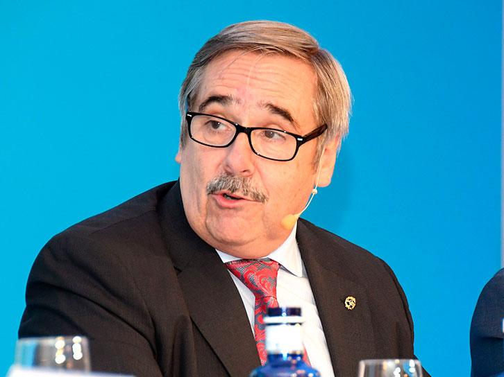 Fernando Mugarza, moderador del debate